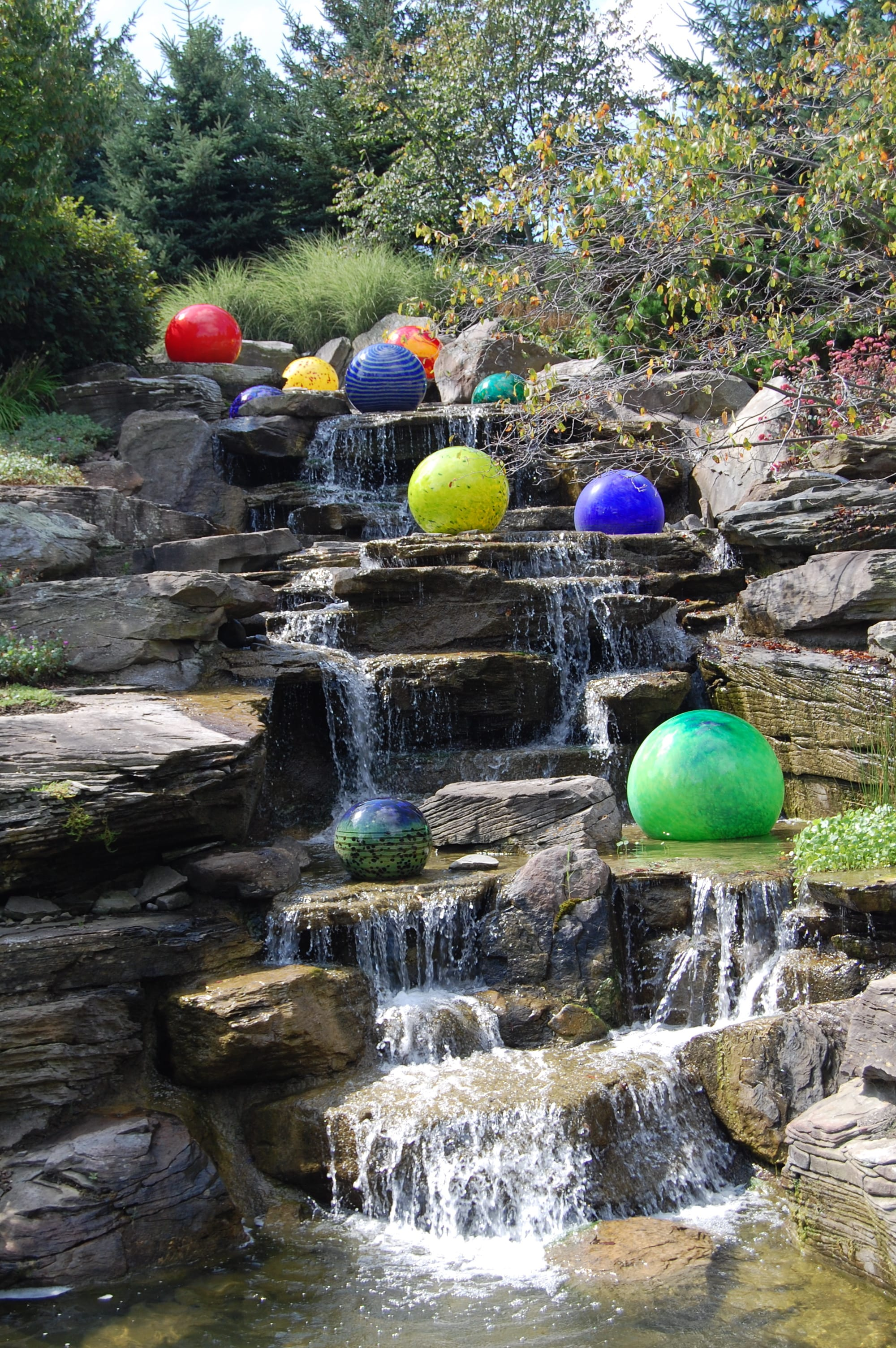 Dale chihuly at the frederik meijer gardens and sculpture - Frederik meijer gardens and sculpture park ...